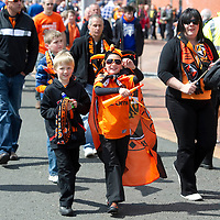 Ross County v Dundee United.....15.05.10  Scottish Cup Final<br /> Dundee United fans arrive at Hampden<br /> Picture by Graeme Hart.<br /> Copyright Perthshire Picture Agency<br /> Tel: 01738 623350  Mobile: 07990 594431
