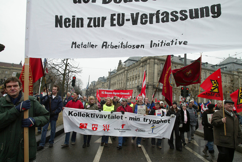 STRASBOURG - FRANCE - 13 FEBRUARY 2006 --Svenske demonstranter mod service direktivet. PHOTO: ERIK LUNTANG /