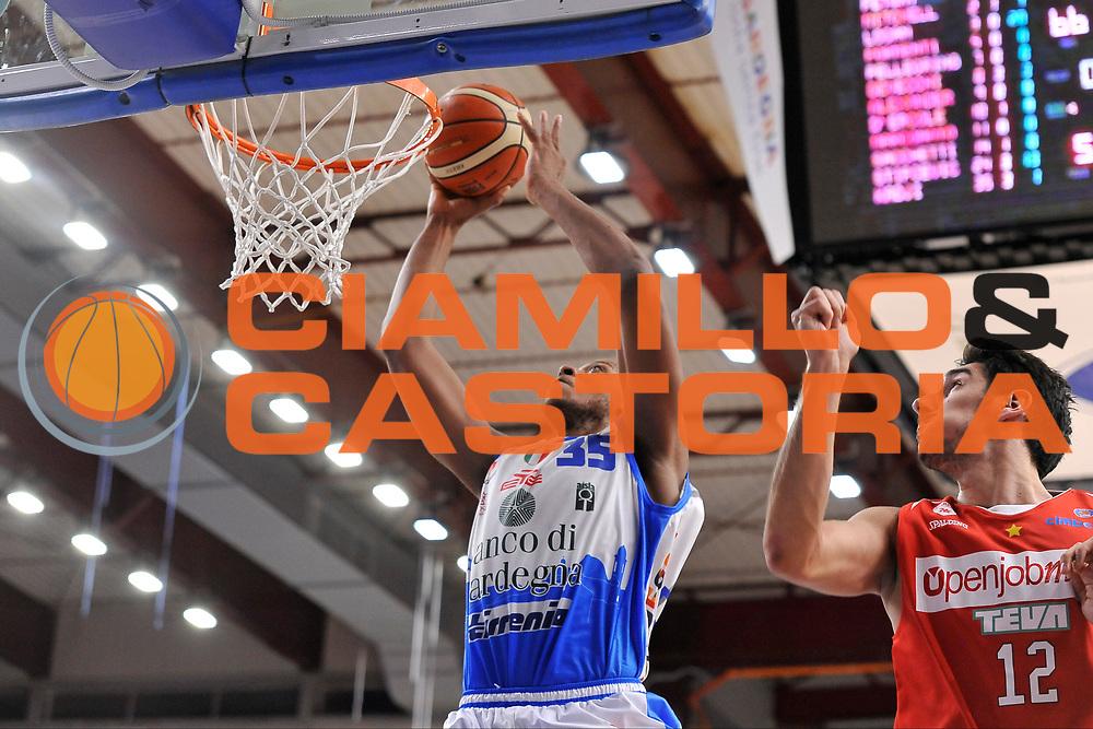 DESCRIZIONE : Beko Legabasket Serie A 2015- 2016 Dinamo Banco di Sardegna Sassari - Openjobmetis Varese<br /> GIOCATORE : Kenneth Kadji<br /> CATEGORIA : Tiro Penetrazione Sequanza<br /> SQUADRA : Dinamo Banco di Sardegna Sassari<br /> EVENTO : Beko Legabasket Serie A 2015-2016<br /> GARA : Dinamo Banco di Sardegna Sassari - Openjobmetis Varese<br /> DATA : 07/02/2016<br /> SPORT : Pallacanestro <br /> AUTORE : Agenzia Ciamillo-Castoria/C.Atzori