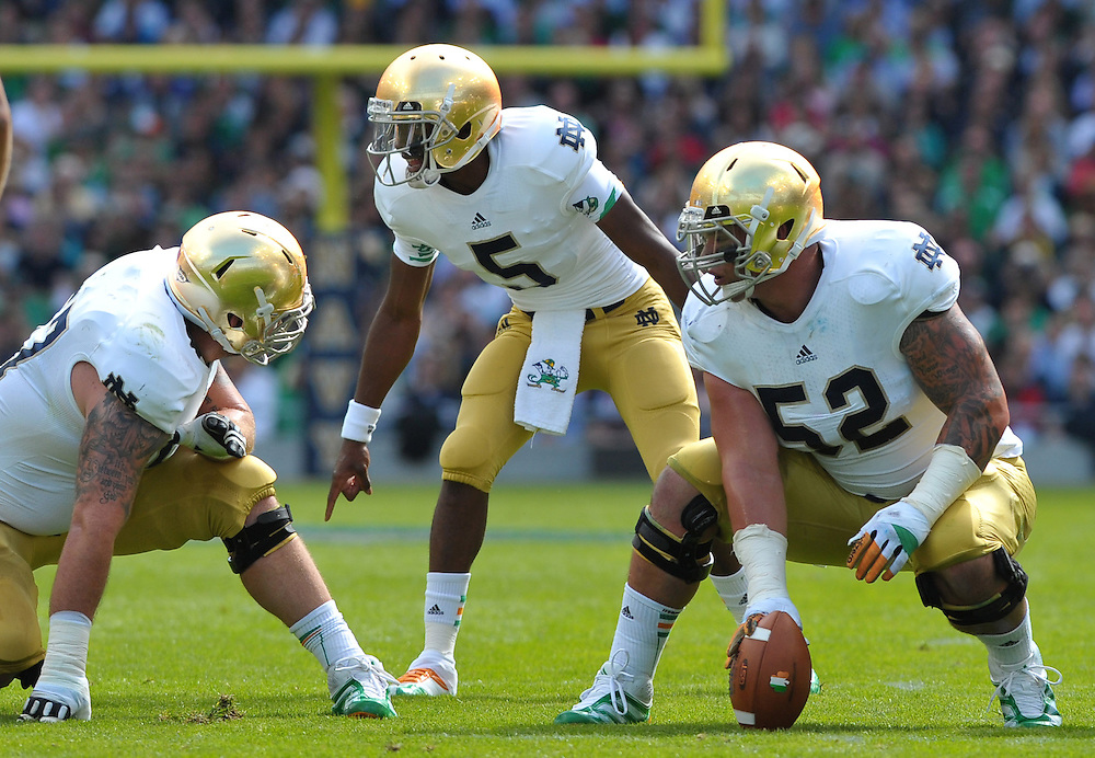 QB Everett Golson (5) gets ready for the snap.