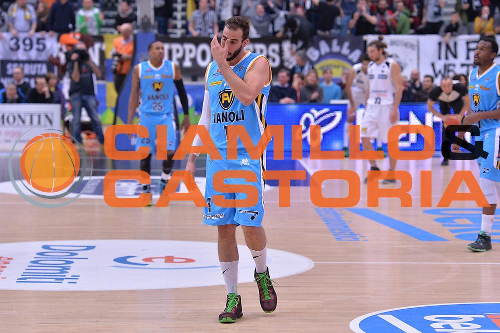 DESCRIZIONE : Trento Lega A 2015-16 Dolomiti Energia Trentino - Vanoli Cremona<br /> GIOCATORE : Nikola Dragovich<br /> CATEGORIA : Ritratto Delusione<br /> SQUADRA : Dolomiti Energia Trentino - Vanoli Cremona<br /> EVENTO : Campionato Lega A 2015-2016 <br /> GARA : Dolomiti Energia Trentino - Vanoli Cremona<br /> DATA : 24/1/2016 <br /> SPORT : Pallacanestro <br /> AUTORE : Agenzia Ciamillo-Castoria/M.Gregolin<br /> Galleria : Lega Basket A 2015-2016 <br /> Fotonotizia : Trento Lega A 2015-16 Dolomiti Energia Trentino - Vagoli Cremona