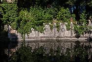 Villa Garzoni's garden, upper lake detail