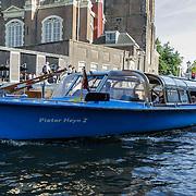 NLD/Amsterdam/20120812 - Varen door de Amsterdamse grachten, rondvaartboot