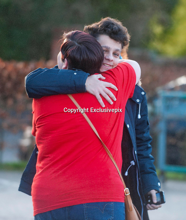 EXCLUSIVE <br /> White Dee Pictured is Benefits Street star Dee Kelly &quot; White Dee &quot; looking at Caravans at Chichester Caravans, Birmingham<br /> A passing fan asks Dee for a hug<br /> &copy;Exclusivepix