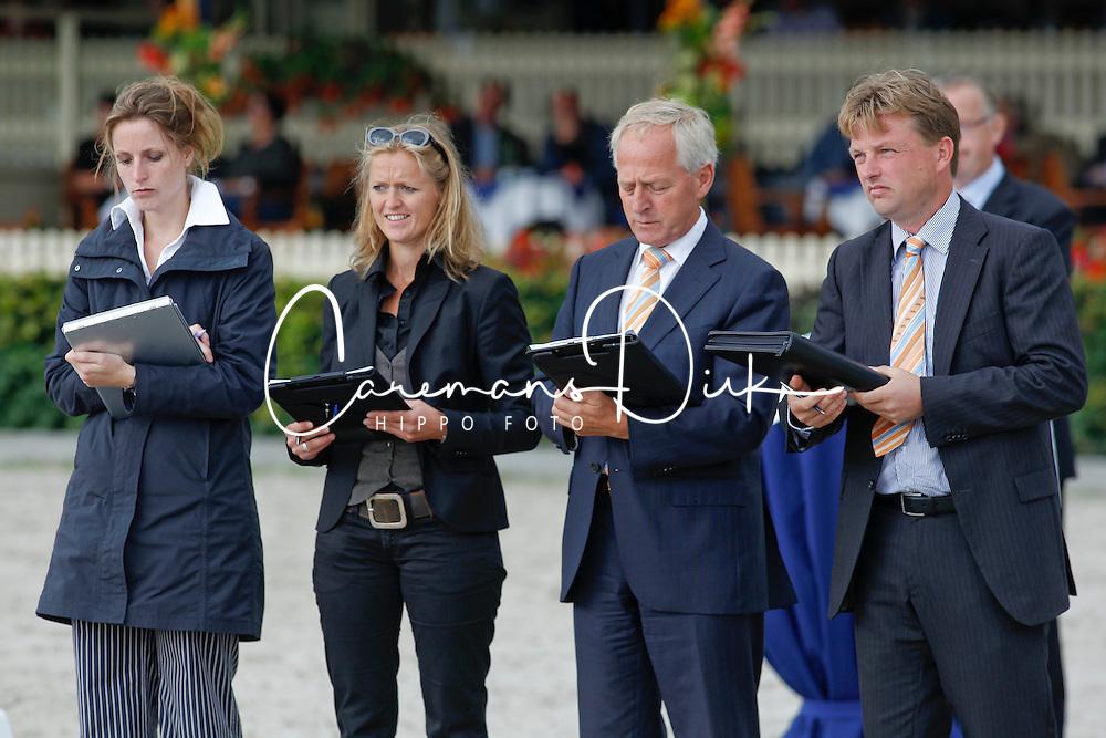 Jury Nationale merrie keuring<br /> Van Deurzen Ine, Hamoen Arie, Henstra Bart<br /> KWPN Paardendagen Ermelo 2010<br /> &copy; Dirk Caremans