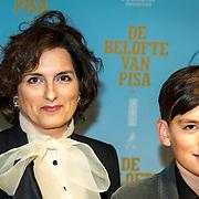 NLD/Amsterdam/20191007 De Belote van Pisa premiere, Carly Wijs en zoon Godfried