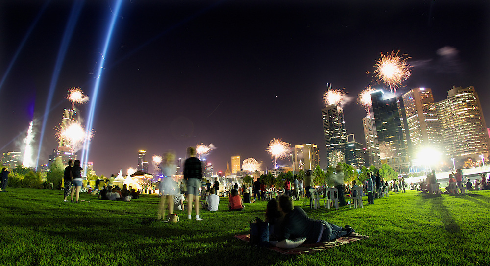 New years eve fireworks at Birrarung Marr. Pic By Craig Sillitoe CSZ/The Sunday Age.31/12/2011 melbourne photographers, commercial photographers, industrial photographers, corporate photographer, architectural photographers, This photograph can be used for non commercial uses with attribution. Credit: Craig Sillitoe Photography / http://www.csillitoe.com<br />
