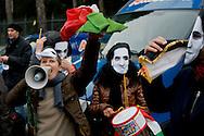 Roma 9 Gennaio 2014<br /> Sit-in davanti all'Ambasciata dell'Arabia Saudita per manifestare contro l&rsquo;esecuzione capitale e chiedere l&rsquo;immediata scarcerazione del giornalista e blogger saudita Raif Badawi imprigionato con l'accusa di apostasia . Organizzato da Nessuno tocchi Caino e Associazione della Comunit&agrave; Marocchina in Italia delle Donne<br /> Roma, Italy. 9th January  2014<br /> Sit-in in front of the 'Embassy of Saudi Arabia to protest against the execution and ask for the immediate release of journalist and blogger Saudi Raif Badawi imprisoned on charges of apostasy. Organized by Hands Off Cain and the Community Association of Moroccan Women in Italy.