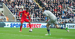 27.04.2013, St. James Park, Newcastle, ENG, Premier League, Newcastle United vs FC Liverpool, 35. Runde, im Bild Liverpool's Daniel Sturridge scores the fourth goal against Newcastle United during the English Premier League 35th round match between Newcastle United and Liverpool FC at the St. James Park, Newcastle, Great Britain on 2013/04/27. EXPA Pictures © 2013, PhotoCredit: EXPA/ Propagandaphoto/ David Rawcliffe..***** ATTENTION - OUT OF ENG, GBR, UK *****