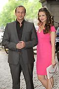 Setbezoek van de romantische komedie Valentino in Escape Amsterdam.<br /> <br /> Op de foto: <br />  Najib Amhali en Elise Schaap