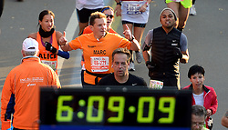 03-11-2013 ALGEMEEN: BVDGF NY MARATHON: NEW YORK <br /> De NY marathon werd weer een groot succes voor de BvdGf. Alle lopers hebben met prachtige tijden de finish gehaald / Marc finisht in 5:19:23<br /> ©2013-FotoHoogendoorn.nl