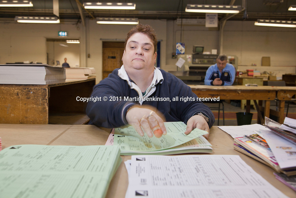 Vikki Smeaton, Remploy Print. Wythenshawe, Manchester...© Martin Jenkinson, tel 0114 258 6808 mobile 07831 189363 email martin@pressphotos.co.uk. Copyright Designs & Patents Act 1988, moral rights asserted credit required. No part of this photo to be stored, reproduced, manipulated or transmitted to third parties by any means without prior written permission