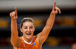 26-05-2017 NED: Nederland - Italie, Apeldoorn<br /> Kick off voor het Nederlands vrouwenteam begon met een oefenwedstrijd in Apeldoorn. Italië werd met 3-1 verslagen / Vreugde bij Nederland, Anne Buijs #11