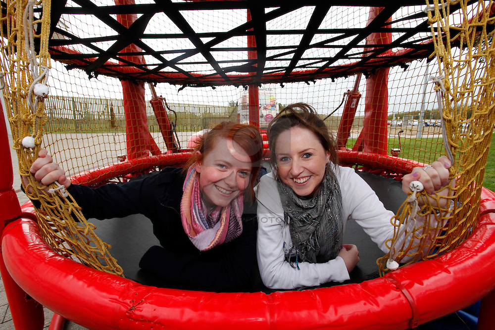 No fee for Repro: 21/09/2011..Karen O'Grady, Clare with Sarah McCahill, Walksinstown pictured at the ITB (Institute of Technology Blanchardstown) Clubs and Society's sign-up day. Pic Andres Poveda