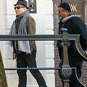 NLD/Amsterdam/20150322 - Paul Simon verlaat zijn hotel voor een concert<br /> <br /> NLD/Amsterdam/20150322 - Paul Simon Leaves his hotel in Amsterdam for an concert with Sting