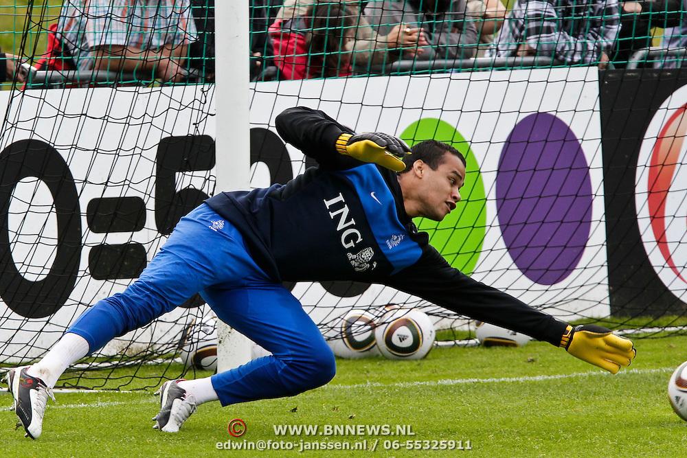 AUS/Seefeld/20100530 - Training NL Elftal WK 2010, keeper Michiel Vorm