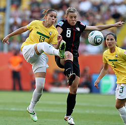 10.07.2011, Glückgas Stadion, Dresden,  GER, FIFA Women Worldcup 2011, Viertelfinale , Brasil (BRA) vs USA (USA)  im Bild Erika (BRA) gegen Amy Rodriguez (USA) .//  during the FIFA Women Worldcup 2011, Quarterfinal, Germany vs Japan  on 2011/07/10, Arena im Allerpark , Wolfsburg, Germany.  .EXPA Pictures © 2011, PhotoCredit: EXPA/ nph/  Hessland       ****** out of GER / CRO  / BEL ******