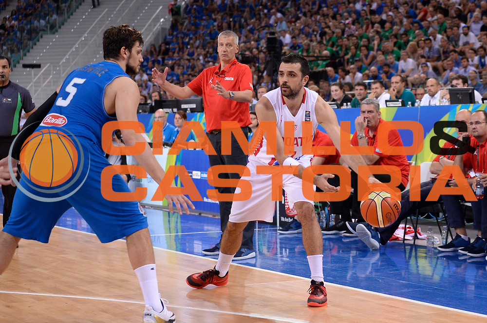 DESCRIZIONE: Torino Turin 2016 FIBA Olympic Qualifying Tournament Finale Final Italia Croazia Italy Croatia<br /> GIOCATORE : Krunoslav Simon<br /> CATEGORIA : passaggio<br /> SQUADRA : Croazia Croatia<br /> EVENTO : 2016 FIBA Olympic Qualifying Tournament <br /> GARA : 2016 FIBA Olympic Qualifying Tournament Finale Final Italia Croazia Italy Croatia<br /> DATA : 09/07/2016<br /> SPORT: Pallacanestro<br /> AUTORE : Agenzia Ciamillo-Castoria/Max.Ceretti <br /> Galleria : 2016 FIBA Olympic Qualifying Tournament <br /> Fotonotizia : Torino Turin 2016 FIBA Olympic Qualifying Tournament Finale Final Italia Croazia Italy Croatia<br /> Predefinita :