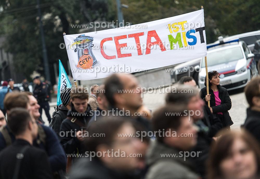 21.10.2016, Wien, AUT, CETA Demo vor dem Parlament. im Bild Demonstranten // during Demonstration against CETA in front of the austrian parliament in Vienna, Austria on 2016/10/21. EXPA Pictures © 2016, PhotoCredit: EXPA/ Michael Gruber