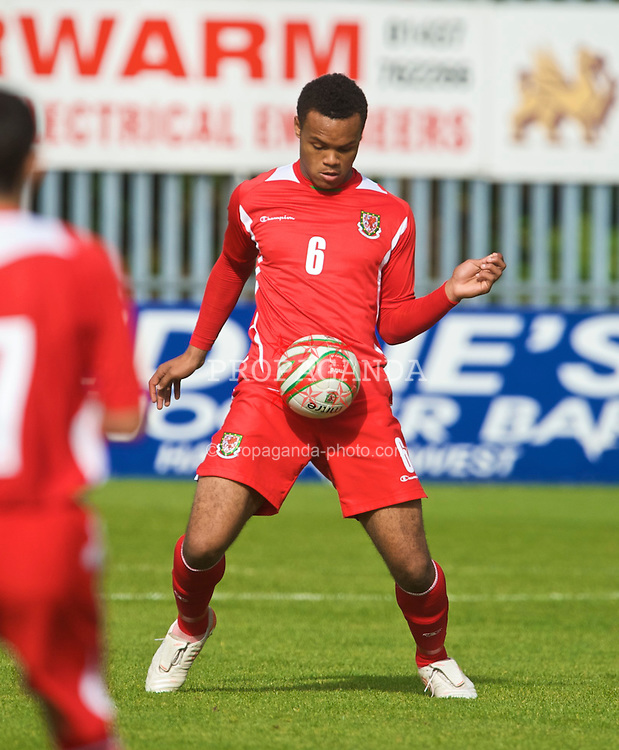 HAVERFORDWEST, WALES - Saturday, October 3, 2009: Wales' Aaron Holloway in action against Russia during the UEFA Under-17 Championship Qualifying Round Group 12 match at Bridge Meadow Stadium (Pic by David Rawcliffe/Propaganda)