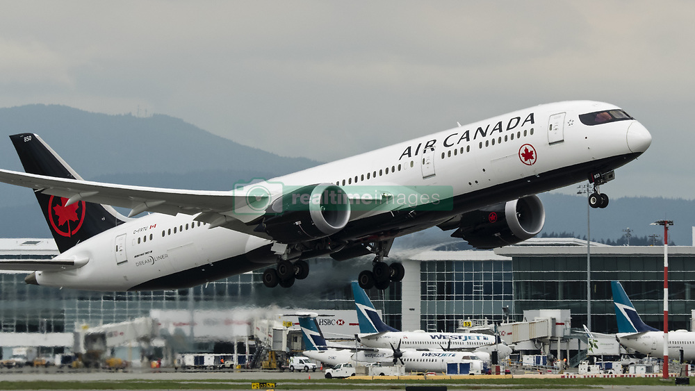 May 4, 2018 - Richmond, British Columbia, Canada - An Air Canada Boeing 787-9 Dreamliner (C-FRTU) wide-body jet airliner takes off from Vancouver International Airport. (Credit Image: © Bayne Stanley via ZUMA Wire)