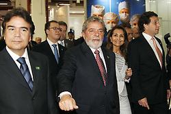 O presidente Luiz Inácio Lula da Silva com o ministro da saúde José Gomes Temporão e a Dra. Waleska Santos durante abertura da HOSPITALAR 2008 - 15ª Feira Internacional de Produtos, Equipamentos, Serviços e Tecnologia para Hospitais, Laboratórios, Clínicas e Consultórios, que acontece de 10 a 13 de junho de 2008, no Expo Center Norte, em São Paulo. FOTO: J. R. Comodo/Preview.com
