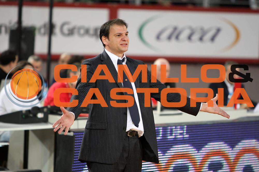 DESCRIZIONE : Roma Lega A 2009-10 Lottomatica Virtus Roma NGC Medical Cantu<br /> GIOCATORE : Nando Gentile<br /> SQUADRA : Lottomatica Virtus Roma<br /> EVENTO : Campionato Lega A 2009-2010<br /> GARA : Lottomatica Virtus Roma NGC Medical Cantu<br /> DATA : 29/11/2009<br /> CATEGORIA : ritratto coach delusione<br /> SPORT : Pallacanestro<br /> AUTORE : Agenzia Ciamillo-Castoria/E.Castoria<br /> Galleria : Lega Basket A 2009-2010<br /> Fotonotizia : Roma Campionato Italiano Lega A 2009-2010 Lottomatica Virtus Roma NGC Medical Cantu<br /> Predefinita :