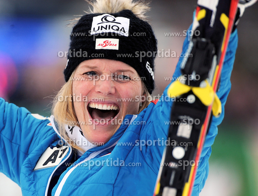 29.12.2013, Hochstein, Lienz, AUT, FIS Weltcup Ski Alpin, Lienz, Damen, Slalom 2. Durchgang, im Bild Marlies Schild (AUT) // Marlies Schild (AUT) during ladies Slalom 2nd run of FIS Ski Alpine Worldcup at Hochstein in Lienz, Austria on 2013/12/29. EXPA Pictures © 2013, PhotoCredit: EXPA/ Erich Spiess