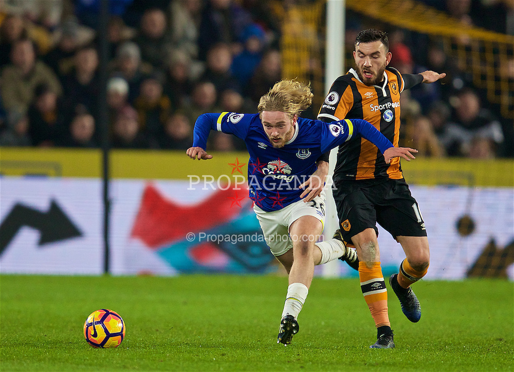 KINGSTON-UPON-HULL, ENGLAND - Friday, December 30, 2016: Everton's Tom Davies in action against Hull City's Robert Snodgrass during the FA Premier League match at the KCOM Stadium. (Pic by David Rawcliffe/Propaganda)