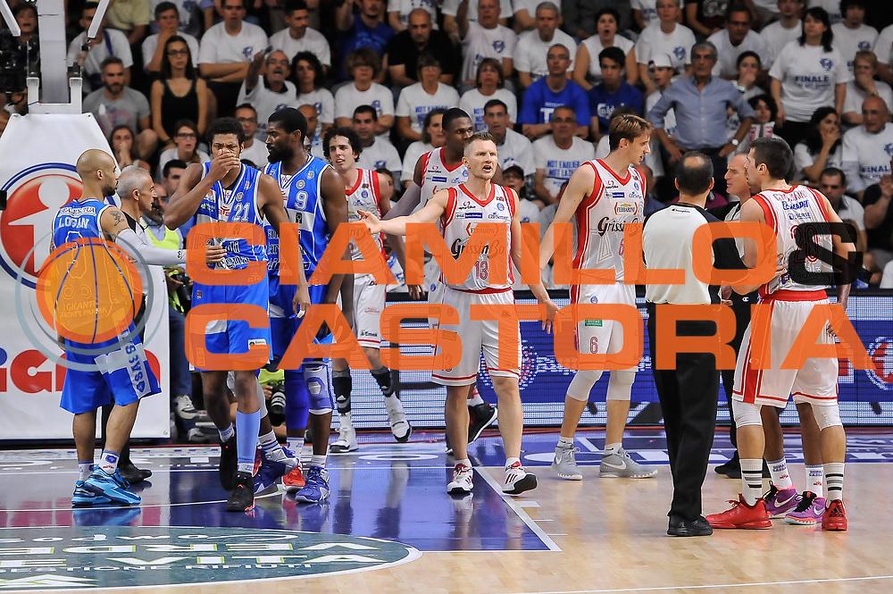 DESCRIZIONE : Campionato 2014/15 Serie A Beko Dinamo Banco di Sardegna Sassari - Grissin Bon Reggio Emilia Finale Playoff Gara3<br /> GIOCATORE : Shane Lawal Andrea Cinciarini Jeff Brooks<br /> CATEGORIA : Rissa<br /> SQUADRA : Dinamo Banco di Sardegna Sassari<br /> EVENTO : LegaBasket Serie A Beko 2014/2015<br /> GARA : Dinamo Banco di Sardegna Sassari - Grissin Bon Reggio Emilia Finale Playoff Gara3<br /> DATA : 18/06/2015<br /> SPORT : Pallacanestro <br /> AUTORE : Agenzia Ciamillo-Castoria/L.Canu