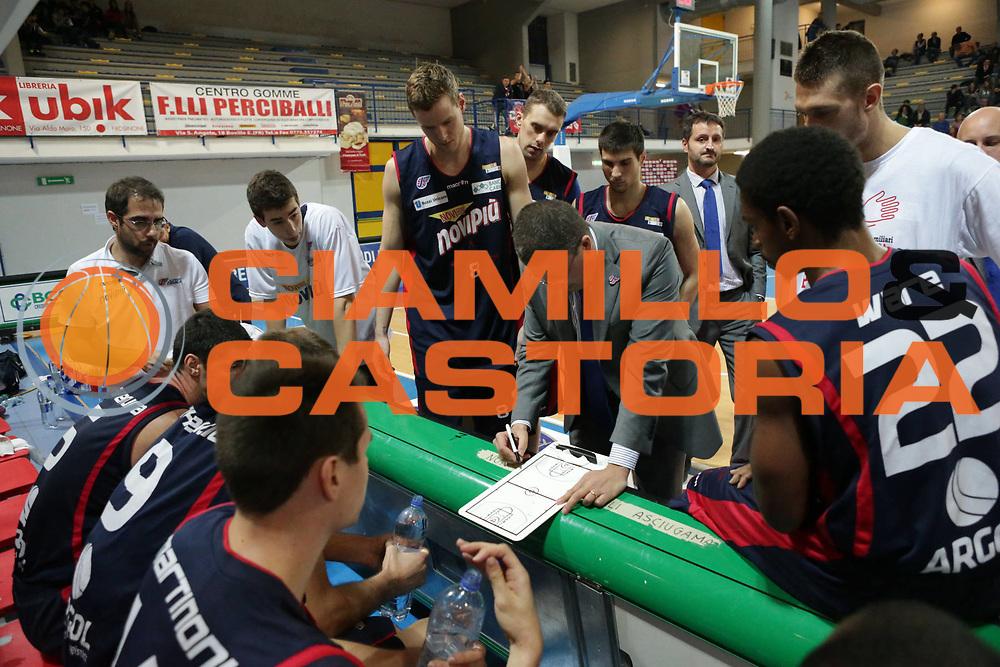 DESCRIZIONE : Frosinone Lega Basket A2  eurobet 2012-13  Prima Veroli Novipi&ugrave; Casale Monferrato<br /> GIOCATORE : Giulio Griccioli team<br /> CATEGORIA : time out<br /> SQUADRA : Novipi&ugrave; Casale Monferrato<br /> EVENTO : Lega Basket A2  eurobet 2012-13 <br /> GARA : Prima Veroli Novipi&ugrave; Casale Monferrato<br /> DATA : 18/11/2012<br /> SPORT : Pallacanestro <br /> AUTORE : Agenzia Ciamillo-Castoria/ M.Simoni<br /> Galleria : Lega Basket A2 2012-2013 <br /> Fotonotizia : Frosinone Lega Basket A2  eurobet 2012-13  Prima Veroli Novipi&ugrave; Casale Monferrato<br /> Predefinita :