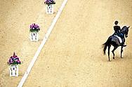 LONDEN - Anky van Grunsven op Salinero tijdens haar proef bij de landenwedstrijd dressuur op de Olympische Spelen in Londen. Voor de drievoudig olympisch kampioene zijn de zevende Spelen van start gegaan.