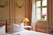 Zimmer, Hotel Villa Sorgenfrei, Radebeul bei Dresden, Sachsen, Deutschland.|.room, Hotel Villa Sorgenfrei, Radebeul near Dresden, Germany
