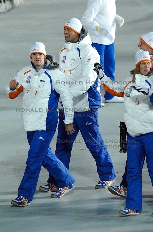 10-02-2006 ALGEMEEN: OLYMPISCHE SPELEN: TORINO<br /> Openingsceremonie OS 2006 - Mark Tuitert<br /> &copy;2006-WWW.FOTOHOOGENDOORN.NL
