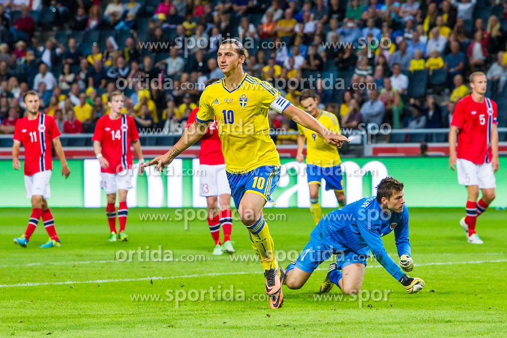 14.08.2013, Friends Arena, Solna, SWE, Testspiel, Schweden vs Norwegen, im Bild Sverige 10 Zlatan Ibrahimovic jublar efter sitt 2-0 maljubel gl&auml;dje lycka glad happy // during the international friendly match between Sweden and Norway at the Friends Arena in Solna, Sweden on 2013/08/14. EXPA Pictures &copy; 2013, PhotoCredit: EXPA/ PicAgency Skycam/ Kenta J&ouml;nsson<br /> <br /> ***** ATTENTION - OUT OF SWE *****