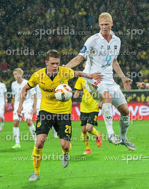 27.08.2015, Signal Iduna Park, Dortmund, GER, UEFA Euro Qualifikation, Borussia Dortmund vs Odd Grenland, Playoff, R&uuml;ckspiel, im Bild v. li. im Zweikampf Matthias Ginter (Dortmund) und Vegard Bergan (Odds) // during UEFA Europa League Playoff 2nd Leg match between Borussia Dortmund and Odd Grenland at Signal Iduna Park in Dortmund, Germany on 2015/08/27. EXPA Pictures &copy; 2015, PhotoCredit: EXPA/ Eibner-Pressefoto/ Hommes<br /> <br /> *****ATTENTION - OUT of GER*****