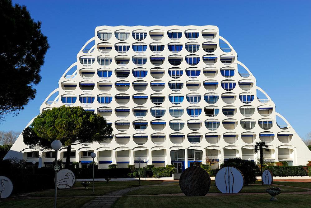 France, Languedoc Roussillon, Hérault, La Grande-Motte, immeuble Fidji