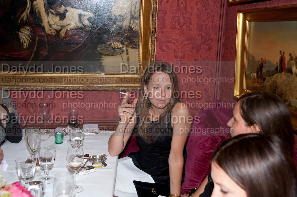 LADY GEORGIA BYNG, Dinner hosted by Elizabeth Saltzman for Mario Testino and Kate Moss. Mark's Club. London. 5 June 2010. -DO NOT ARCHIVE-© Copyright Photograph by Dafydd Jones. 248 Clapham Rd. London SW9 0PZ. Tel 0207 820 0771. www.dafjones.com.