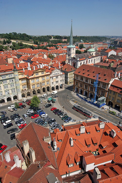 Blick auf die Die Prager Kleinseite (Mal&aacute; Strana) mit dem Kleinseitner Ring (Malostransk&eacute; n&aacute;m.).<br /> <br /> View to Mal&aacute; Strana (Lesser Town) and Malostranske Namesti (Lesser Town Square) in the city centre of Prague.