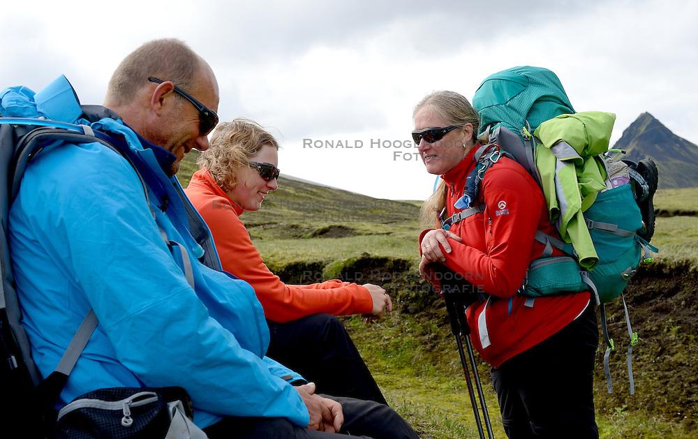 09-07-2014 ISL: Iceland Diabetes Challenge Dag 5, Emstrur<br /> Van Alftavatn naar Emstrur / Wim in t Veld,  Debbie de Poorter, Annet de Leeuw-den Boer