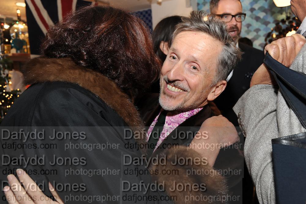 MEREDITH ETHERINGTON-SMITH; SIMON DOONAN;, Jonathan Adler Store opening. Sloane St. London. 16 November 2011. <br /> <br />  , -DO NOT ARCHIVE-© Copyright Photograph by Dafydd Jones. 248 Clapham Rd. London SW9 0PZ. Tel 0207 820 0771. www.dafjones.com.