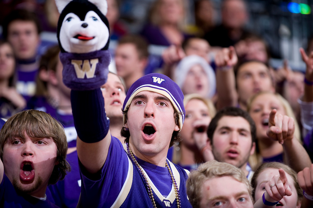 NCAA MEN'S BASKETBALL - UNIVERSITY OF WASHINGTON VS. WASHINGTON STATE UNIVERSITY -