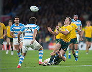 Twickenham. Great Britain,  Ben FOLEY, passes over the top of Lucas GONZALEZ AMOROSINO, during, Semi Final. Australia vs Argentina  2015 Rugby World Cup,  Venue, Twickenham Stadium, Surrey England.   Sunday  25/10/2015   [Mandatory Credit; Peter Spurrier/Intersport-images]