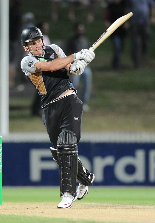 New Zealand's Rob Nicol bats against Zimbabwe in the third twenty/20 International Cricket match, Seddon Park, Hamilton, New Zealand, Tuesday, February 14, 2012. Credit:SNPA / Ross Setford