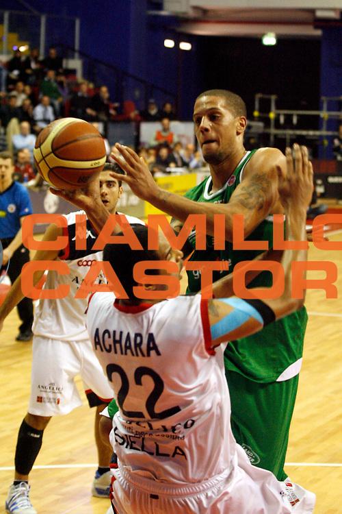 DESCRIZIONE : Biella Lega A 2009-10 Angelico Biella Benetton Treviso<br /> GIOCATORE : Daniel Hackett<br /> SQUADRA : Benetton Treviso<br /> EVENTO : Campionato Lega A 2009-2010<br /> GARA : Angelico Biella Benetton Treviso<br /> DATA : 05/12/2009<br /> CATEGORIA : penetrazione tiro<br /> SPORT : Pallacanestro<br /> AUTORE : Agenzia Ciamillo-Castoria/E.Pozzo<br /> Galleria : Lega Basket A 2009-2010<br /> Fotonotizia : Biella Campionato Italiano Lega A 2009-2010 Angelico Biella Benetton Treviso<br /> Predefinita :