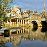 Visual Apex of River Avon in Bath, England<br />