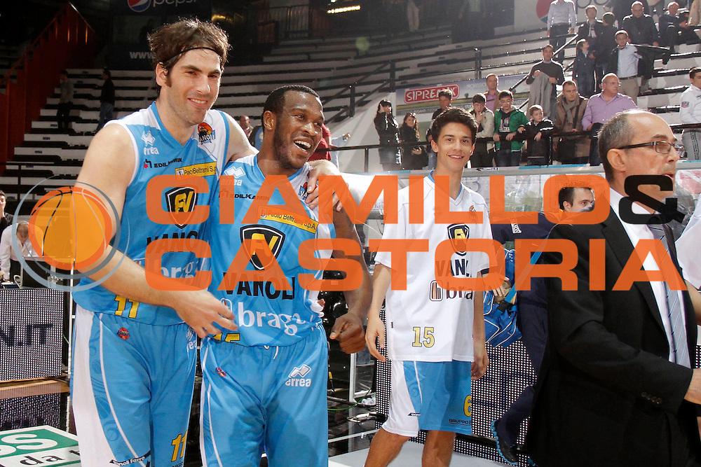 DESCRIZIONE : Caserta Lega A 2011-12 Otto Caserta Vanoli Braga Cremona<br /> GIOCATORE : Jasmin Perkovic Jason Allen Rich<br /> SQUADRA : Vanoli Braga Cremona<br /> EVENTO : Campionato Lega A 2011-2012<br /> GARA : Otto Caserta Vanoli Braga Cremona<br /> DATA : 01/04/2012<br /> CATEGORIA : esultanza<br /> SPORT : Pallacanestro<br /> AUTORE : Agenzia Ciamillo-Castoria/A.De Lise<br /> Galleria : Lega Basket A 2011-2012<br /> Fotonotizia : Caserta Lega A 2011-12 Otto Caserta Vanoli Braga Cremona<br /> Predefinita :