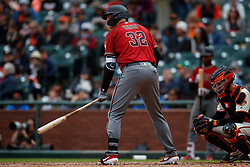 SAN FRANCISCO, CA - MAY 26: Kevin Cron #32 of the Arizona Diamondbacks at bat against the San Francisco Giants during the eighth inning at Oracle Park on May 26, 2019 in San Francisco, California. The Arizona Diamondbacks defeated the San Francisco Giants 6-2. (Photo by Jason O. Watson/Getty Images) *** Local Caption *** Kevin Cron