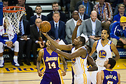 Golden State Warriors forward Kevin Durant (35) takes the ball to the basket against the Los Angeles Lakers at Oracle Arena in Oakland, Calif., on November 23, 2016. (Stan Olszewski/Special to S.F. Examiner)
