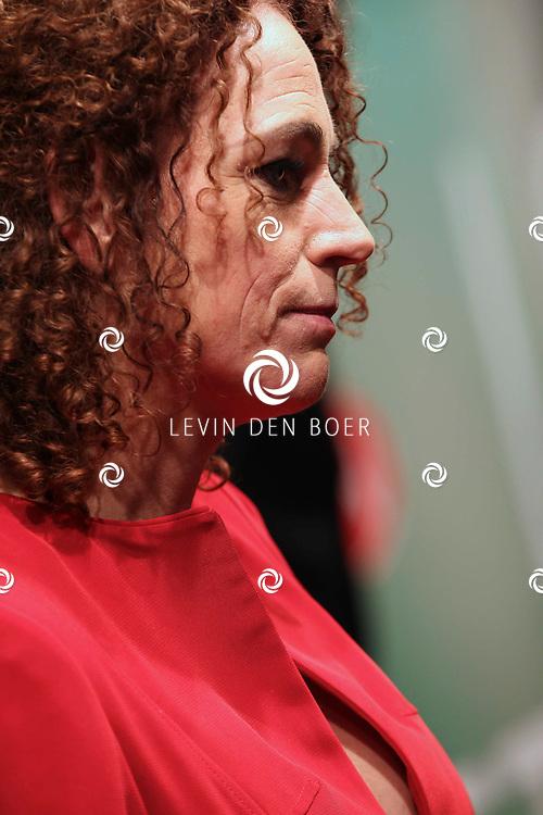AMSTERDAM - Antoinette Beumer op de premiere van de film Loft dinsdag in Amsterdam. De film is vanaf 16 december in de Nederlandse bioscopen te zien. FOTO LEVIN DEN BOER - PERSFOTO.NU